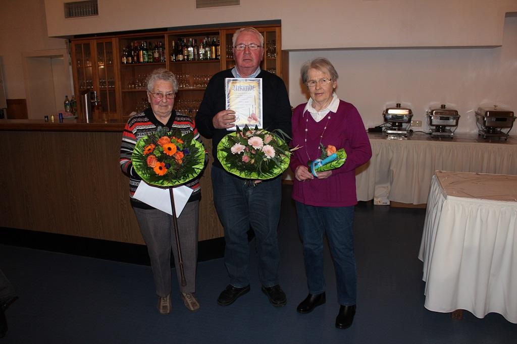 v.l.n.r.: Renate Grau, Günter Bobe und Gerti Kluge